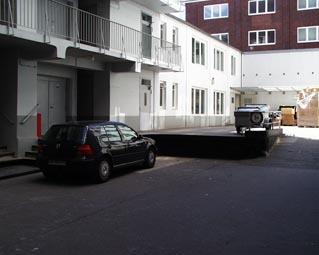 Der Hof der Hammaburg mit direktem Zugang zum Lastenaufzug
